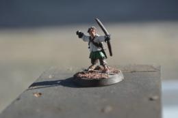 Rare  Figurine Métal Petit  Archer N°2 - Figurines