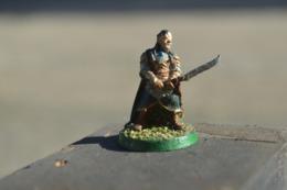 Rare  Figurine Métal  Soldat à L'épée - Figurines
