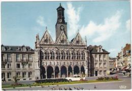 Saint-Quentin: SIMCA 1500 '66 - Pigeons - Place De L'Hotel De Ville - Toerisme