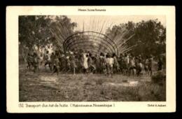 MISSIONS - SUISSE-ROMANDE - MOZAMBIQUE - MATOUTOUENE - TRANPORT D'UN TOIT DE HUTTE - Missions