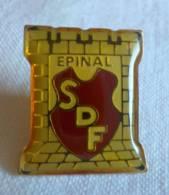 PINS PIN SDF Soldats Du Feu ? Epinal 88 Vosges - Pin's & Anstecknadeln