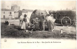 13 LES SAINTES-MARIES-de-la-MER - Une Famille De Bohémiens - Saintes Maries De La Mer