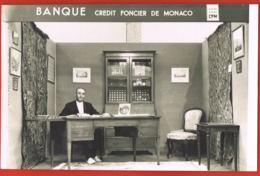 Photo Métiers-  Banque , Crédit Foncier De Monaco-  Le Directeur  à Son Bureau- Format  11,5 X 17,5  Cm-Paypal Free - Métiers