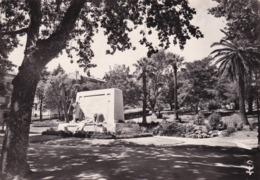 34 Sète, Le Jardin Public Et Le Monument Aux Morts - Sete (Cette)