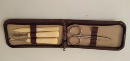 TROUSSE MANUCURE ANCIENNE -MADE IN GERMANY - Accessoires