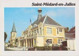 Gironde        H456        Saint Médard En Jalles.L'Hôtel De Ville Et L'église - Otros Municipios