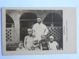 CPA AFRIQUE - CAMEROUN - Evangéliste De Foumban Et Sa Famille - Cameroun