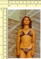 REAL PHOTO - 1970s Pretty Bikini Woman, Swimwear Lady At Beach - Jolie Bikini Femme, Maillot De Bain Dame à La Plage - Persone Anonimi
