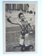 CPA ASIE - CAMBODGE - Une Danseuse Cambodgienne - Cambodge