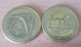 France - 2 Médailles Souvenir - Collection Européenne - Viduc De Garabit (Auvergne) / Château-Fort Guédelon - Touristiques