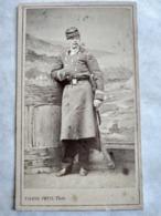 Photographie Ancienne CDV Second Empire - Officier - Capitaine - Médaille - 4 Sur Képi -  Photo Pierre Petit, Paris - Guerre, Militaire