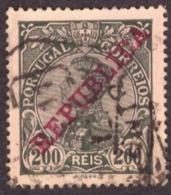 """Portugal 1910 - Rei D. Manuel II  Sobrecarga  """" REPUBLICA """"  200 R. Mundifil 180 Côte € 3.30 - 1910-... République"""