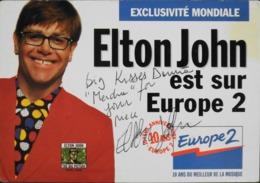 CPM. > Chanteurs & Musiciens > Elton JOHN Carte Postale Dédicacée Manuscite Par L'Artiste - TBE - Singers & Musicians