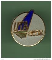 AIR FRANCE - UTA *** ARRO CLUB *** Signe FRAISSE *** 1051 - Avions