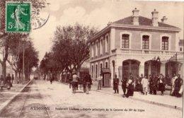AVIGNON BOULEVARD LIMBERT ENTREE PRINCIPALE DE LA CASERNE DU 58 E DE LIGNE - Avignon