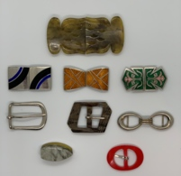Lot De Boucles De Ceintures Vintage. Emaux, Bakelite, Métal Ou Plastique. Très Beau Lot. - Vintage Kleding, Linnengoed