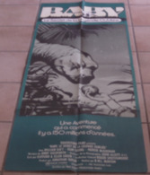 AFFICHE CINEMA ORIGINALE FILM BABY Secret De La Légende Oubliée TB DINOSAURE DIPLODOCUS NORTON KATT 1985 - Affiches & Posters