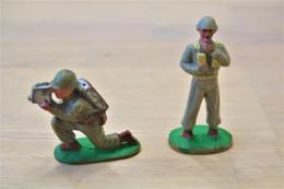 J.S.B. JSB JOUETS STANDARD BELGE , WW2, 2 American Soldiers Special RaRe , Made In Belgium, Vintage, Lot - Figurines