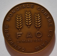 MEDAILLE FAO 1963 CAMPAGNE CONTRE LA FAIM. BRONZE 55 Gr. RARE. MONNAIE DE PARIS. - Jetons & Médailles