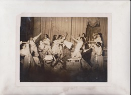 PIG ACTS IN A REVUE  ALL EYES HUSTON MUSIC HALL  21*16CM Fonds Victor FORBIN 1864-1947 - Sin Clasificación