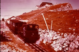 Diapositive Cosy Color ,Schafbergspitze 1780m Und Zahnradbahn - Diapositives