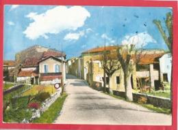 """CPM - """"La France Touristique"""" -  Cruis  -(B.A.) - 152 - Entrée Du Village - France"""