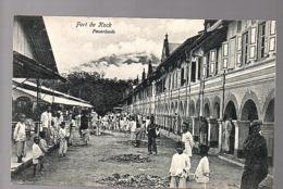 Netherlands Indies ± 1910 Fort De Kock Pasar Loods  (19-44) - Nederlands-Indië