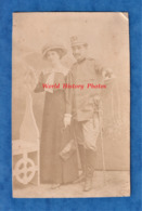 CPA Photo - BUCAREST / BUCURESTI ( Romania ) - Portrait D'un Militaire & Sa Femme - 1914 - Foto N. Buzdugan - Romania