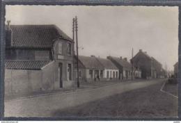 Carte Postale 59. Hasnon-Cataine  La Place  Et La Société Générale Rue Edouard Vaillant   Trés Beau Plan - Autres Communes