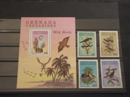GRENADA GRENADINES - 1980 UCCELLI 4 VALORI  + BF - NUOVI(++) - Grenada (1974-...)