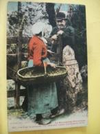50 6489 CPA COLORISEE. 1928 - 50 LA NORMANDIE PITTORESQUE. VIEUX COUPLE EN DISCUTION . EDIT. LE GOUBEY. N°1857 - France