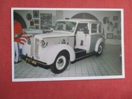 English Taxi Cab Customised By    Liberace Museum Museum Las Vegas Nevada  Ref 3622 - Museum