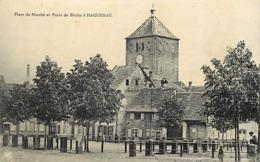 - Bas Rhin -ref-496- Haguenau - Place Du Marhé Et Porte De Bitche - Carte Bon Etat - - Haguenau