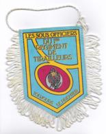 FANION 1° REGIMENT DE TIRAILLEURS , LES SOUS OFFICIERS - Flags
