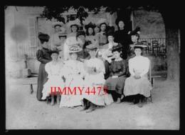 Portrait D'une Famille à Identifier - Grande Plaque De Verre Taille 128 X 178 Mlls - - Plaques De Verre