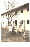 5 Kinder Mit Hund Vor Einem Haus Ca 1940 Unbekannt - Gruppen Von Kindern Und Familien