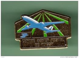 CENTRE AERIEN POSTAL DE ROISSY *** 1051 - Avions
