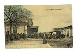 26 DROME ROMANS La Gare à L'arrivée D'un Train Belle Carte Couleur - Romans Sur Isere