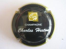 Capsule Champagne Six Coteaux Charles Heston, N° 29, Noir, Or Et Blanc - Champagne