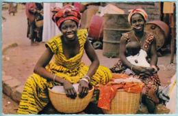 L'Africa Nelle Cartoline : Giovani Commercianti - Africa