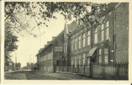 Ravels, O.L. Vrouw Van De Kempen, Open-luchtschool Voor Zwakke Meisjes, De Voorkant.   (2 Scans) - Ravels