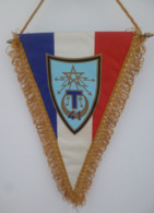 FANION 41° REGIMENT DE TRANSMISSIONS SENLIS - Drapeaux