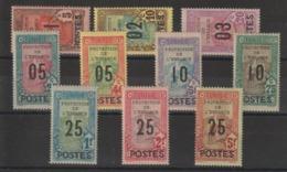 Tunisie 1925 Série Surchargée 110-119 10 Val * Charn - Tunisia (1888-1955)