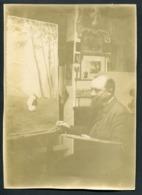 Photographie Format 172 X 125 - Un Peintre Devant Sa Toile - Voir 2 Scans - Personnes Anonymes