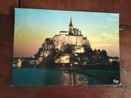 50 - Le Mont Saint Michel - Vue Lointaine La Nuit - Le Mont Saint Michel