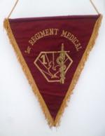 FANION 1ER REGIMENT MEDICAL - Drapeaux