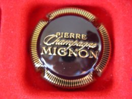 * Capsule De Champagne MIGNON Pierre    * - Capsules & Plaques De Muselet