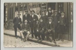 Carte Photo Devanture Pub  Absinthe Berger Piconette Mominette Cachet Neuville Aux Bois 1914 Loiret 45 - Da Identificare