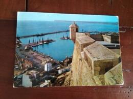 Alicante - Le Port, Vue Prise Du Château - Alicante