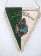 FANION 10° RCS REGIMENT DE COMMANDEMENT ET DE SOUTIEN CHALONS SUR MARNE - Drapeaux